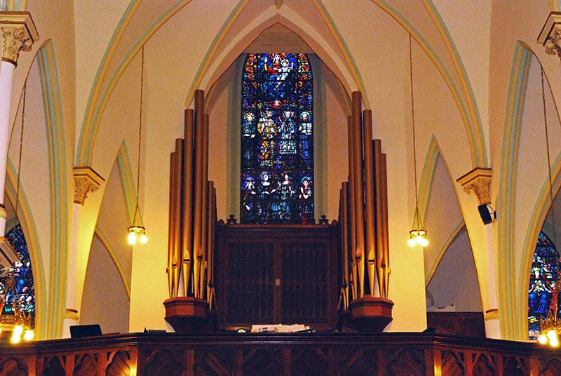 Fully Restored Pipe Organ